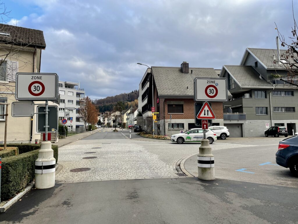 Fahrschule Marty Nothelferkurs Frage Coop Etzelstrasse Pfäffikon SZ